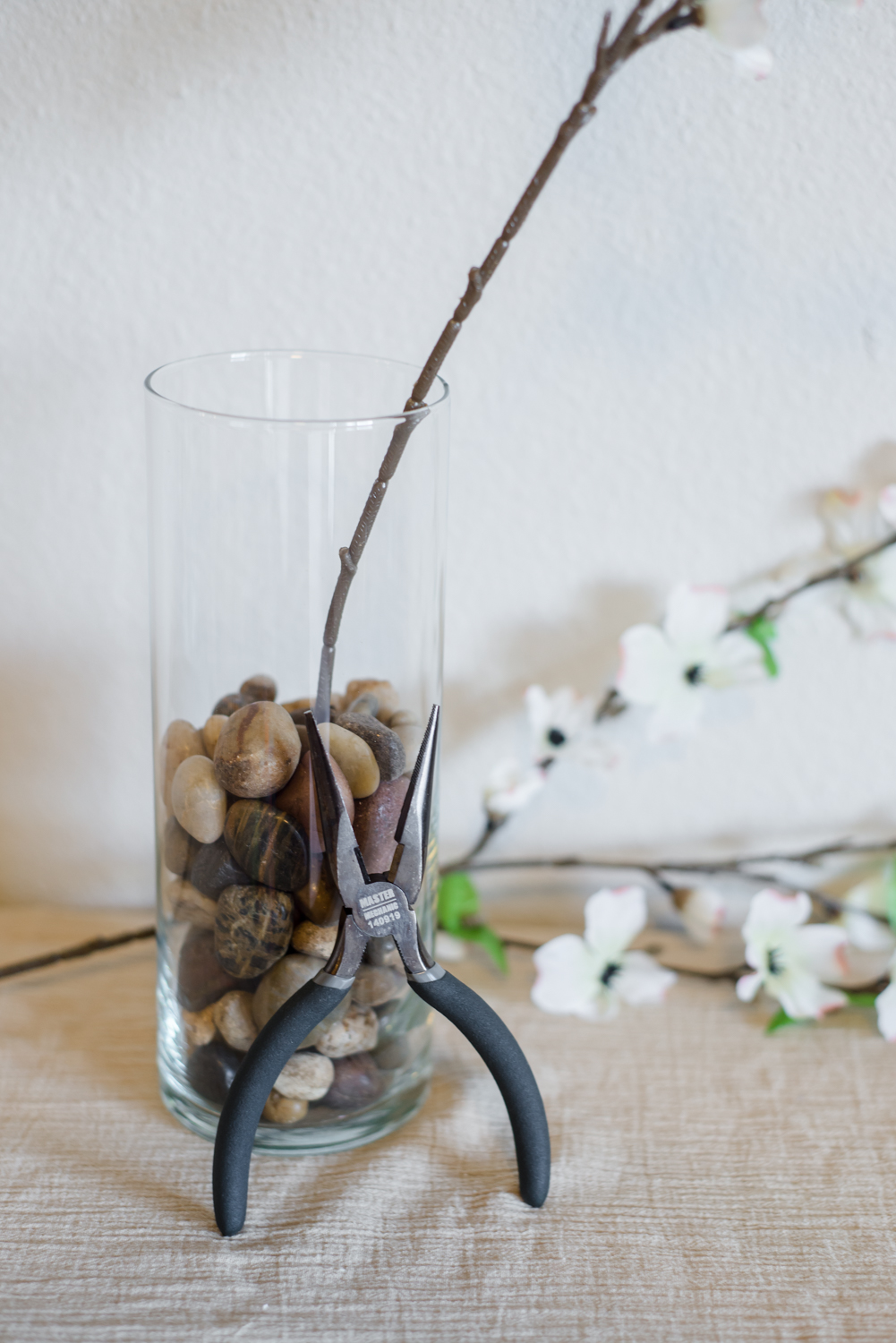 Cheap Springtime Dogwood Blossom DIY